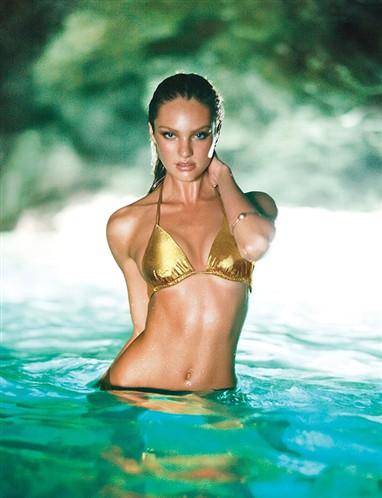 Candice Swanepoel dorado